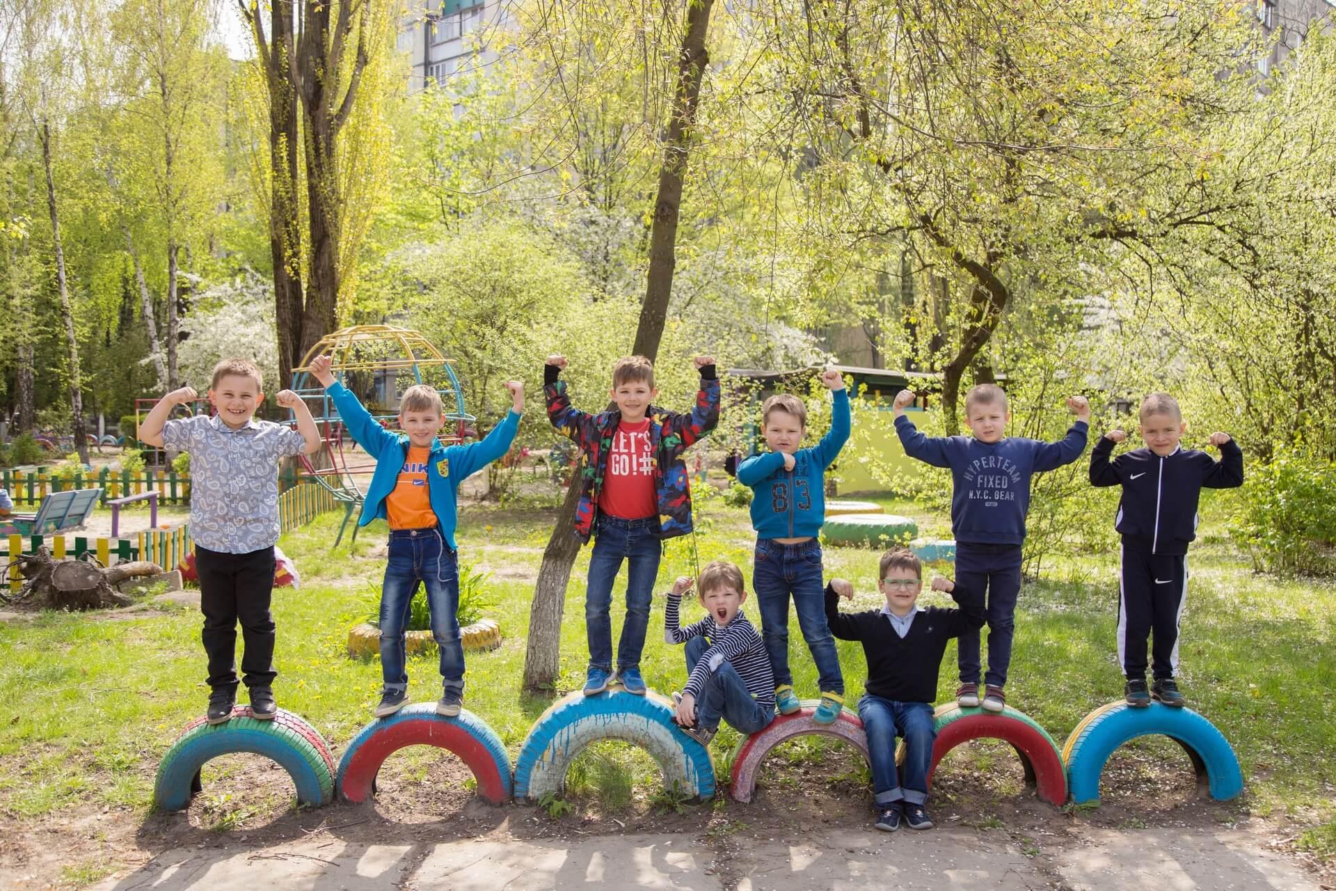 весенняя фотосессия в детском саду віпускной альбом для детского сада